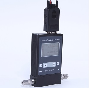 Thermal mass flow meter for lab gas