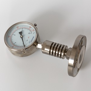 Diaphragm seal pressure gauge with cooling tower