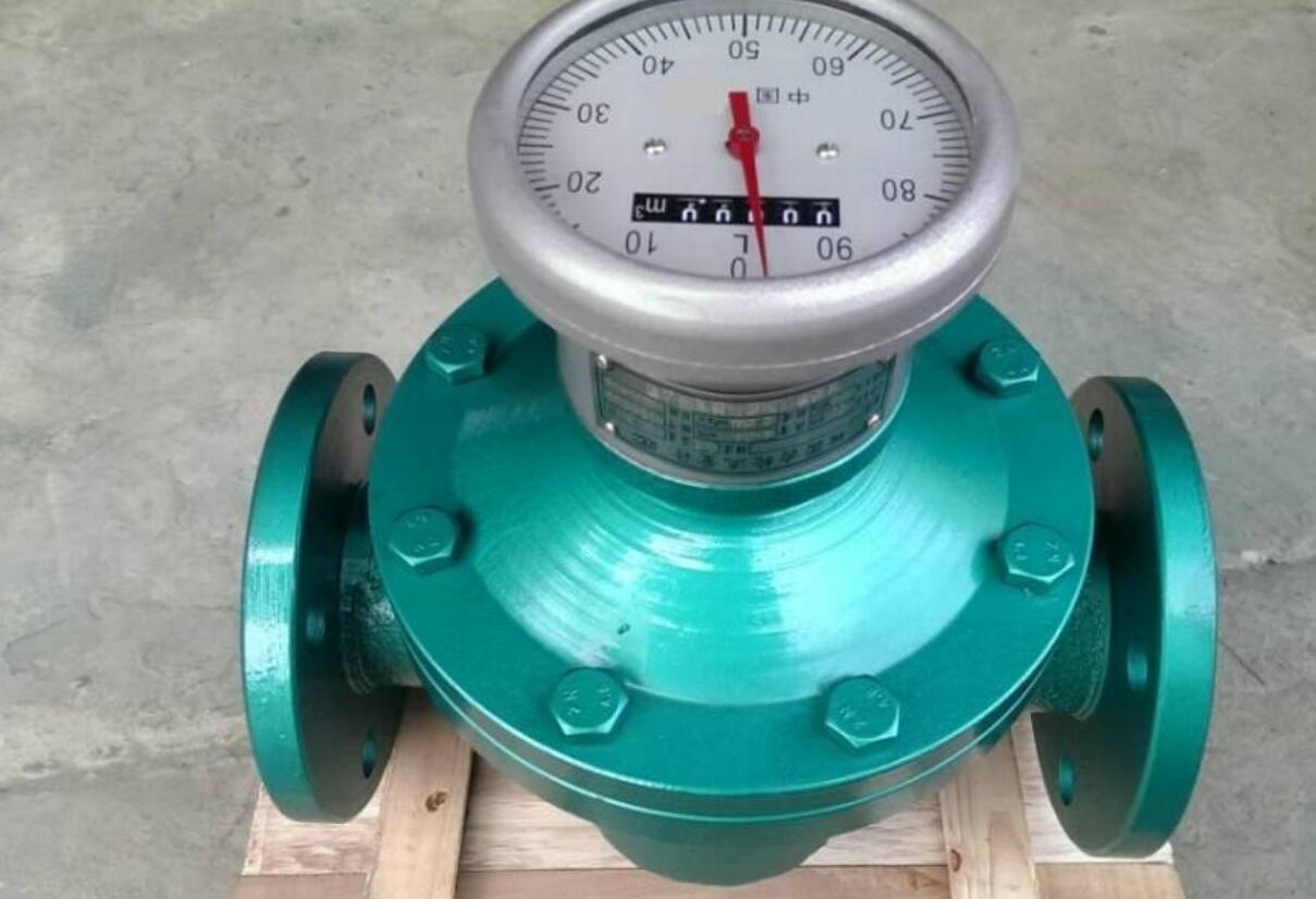 Oval gear flow meter for fuel oil flow rate measurement